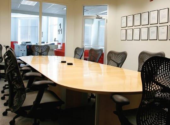 NNN Darien Business Center offerings